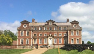 Raynham Hall chooses renewable energy